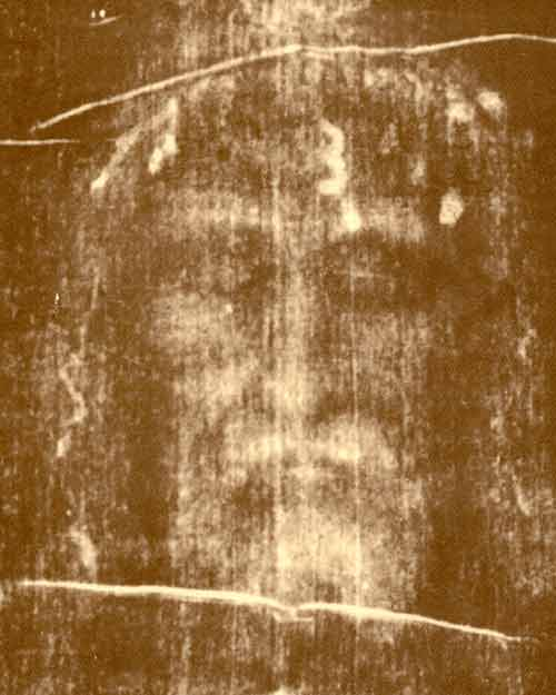 http://www.liturgy.co.nz/wp-content/uploads/2010/04/shroud-of-turin1.jpg
